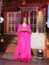 Deepika Padukone Stuns in Bright Pink