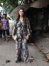 Gauri Khan, Karan Johar and Others Spotted at Zoya Akhtar's Christmas Party