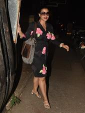 Kajol And Nysa Spotted Out In Mumbai