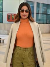 Hina Khan Spotted At The Airport