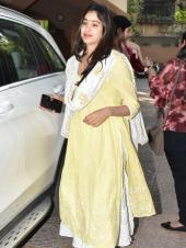 Janhvi And Khushi Kapoor Snapped In Mumbai