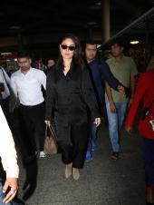 Airport Looks: Kareena Kapoor, Anushka Sharma Slay in Black