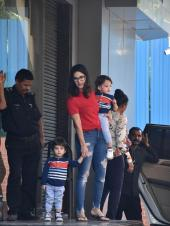 Sunny Leone Clicked With Kids
