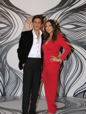 Shah Rukh Khan and Gauri Khan Strike a Pose