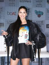 Sunny Leone Stuns in a Leather Jacket