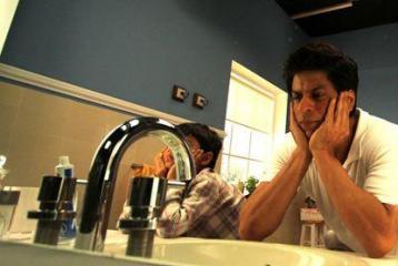 SRK shoots for ad despite fever