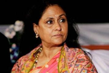 Is Jaya Bachchan snubbing Amar Singh?