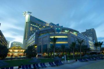 Hotel Review:Beach Rotana in Abu Dhabi