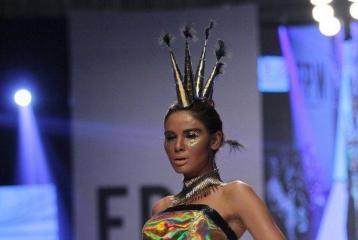 Fashion Pakistan Week 2014: Nomi Ansari