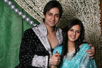 'He Pinned Me Against The Wall And Tried To Strangle Me': TV Actress Daljeet Kaur On Her Husband Shaleen Bhanot