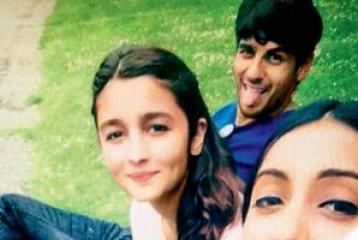 Photo Alert: Alia Bhatt, Sidharth Malhotra Holiday Together in London!
