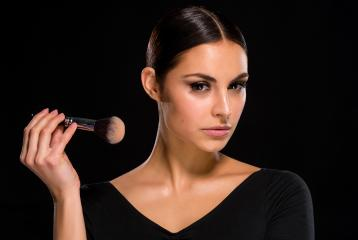 How To Pick The Right Foundation For Your Skin Type