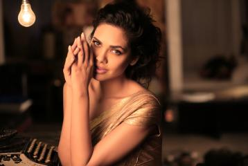 The Role a Young Scion From Dubai Played in Esha Gupta's Life