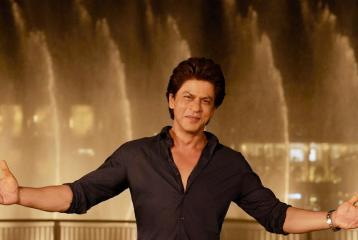 Shah Rukh Khan's Unbelievable Travel Schedule; 3 Countries in 7 Hours!