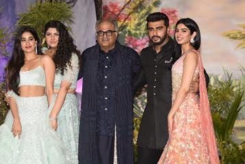 Arjun Kapoor's Sisters Janhvi, Khushi and Anushula Kapoor Wish Bade Bhaiyya in Sweetest Way on His Birthday