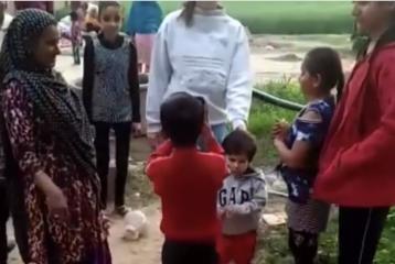 Video: Kareena Kapoor Khan, Saif Ali Khan and Chotay Nawab Taimur Ali Khan Visit the Village