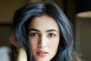 Is Sonal Chauhan Dating THIS Top Indian Cricketer?