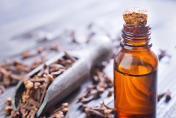 5 Amazing Benefits Of Clove Essential Oil