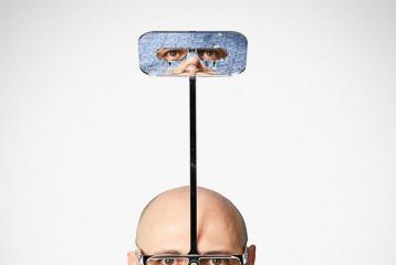 Inventor Makes Glasses That Allows Short Heighted People To See 1-Foot Above Eye Level
