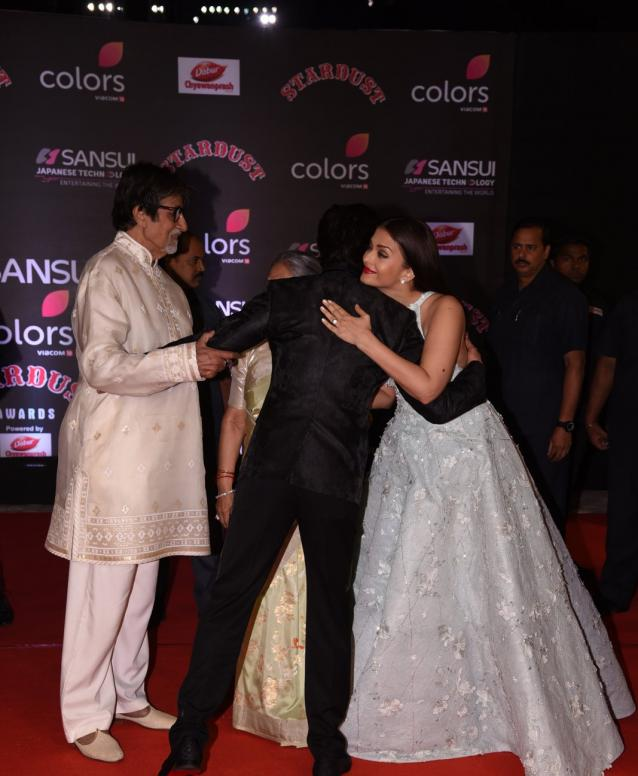 Shah Rukh Khan Bonds With the Bachchan Parivaar