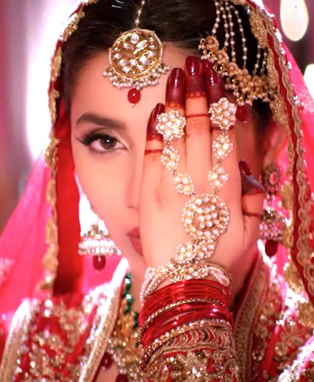 Mahira Khan's Morey Saiyan in Parey Hut Love is Quite Possibly the Most Stunning Song I've Seen All Year