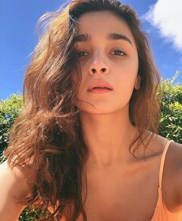 Alia Bhatt Has The Knack For Sun-Kissed Photographs