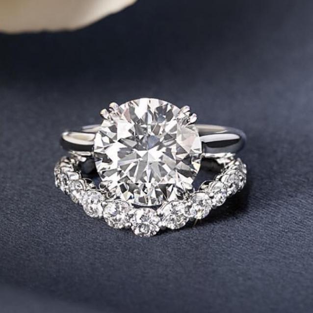 Make Your Autmun/Winter Look Shine Bright Like a Diamond
