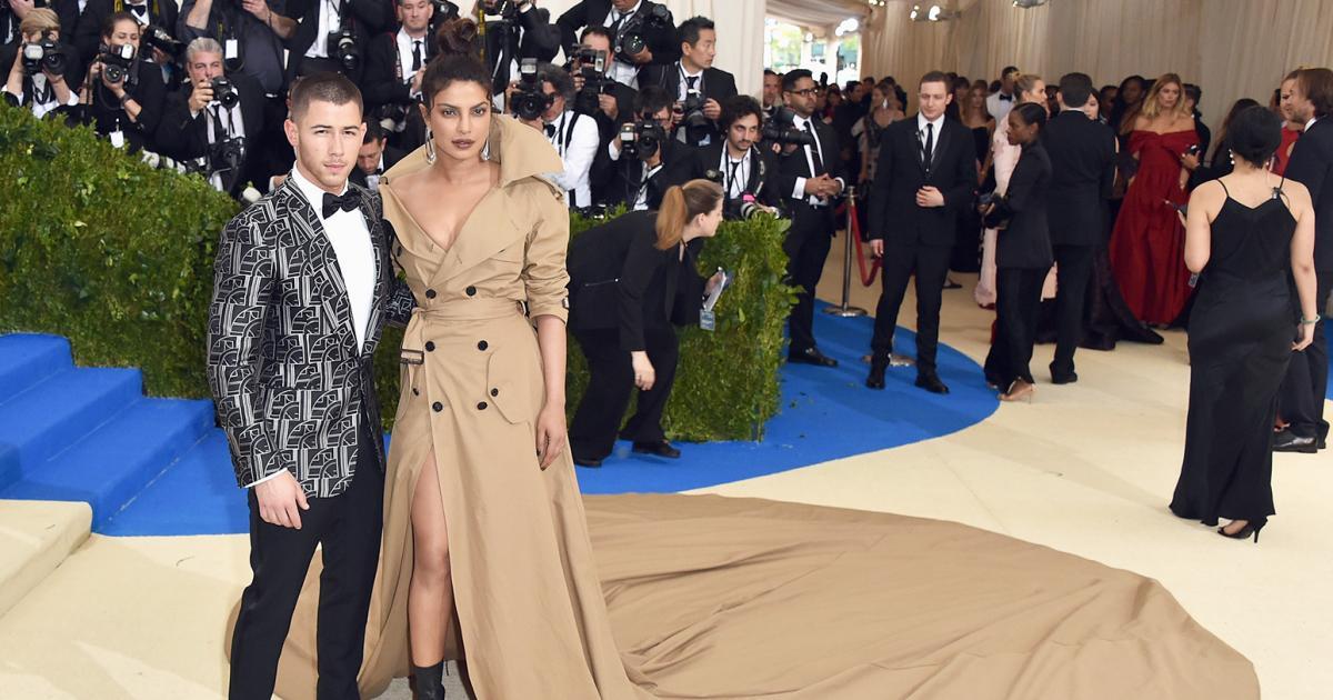 From Priyanka Chopra Nick Jonas To Urmila Matondkar Mohsin Akhtar Mir 7 Bollywood Actresses Who Are Dating And Or Have Married Younger Men Masala Com