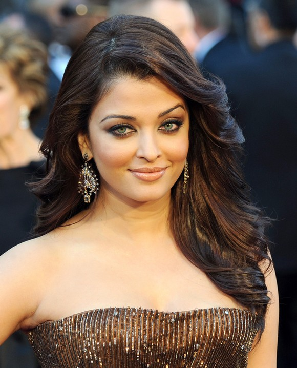 Will There Be No Profit-Sharing For Aishwarya Rai Bachchan in Jazbaa?