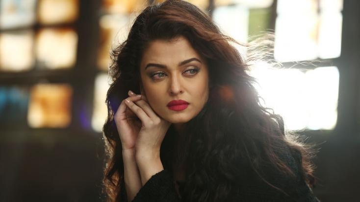 Blog: When The Paparazzi Made Aishwarya Rai Bachchan Cry in Public