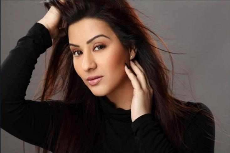 Threat of a Criminal Case Against Bigg Boss as a Female Contestant is Forcibly Kissed