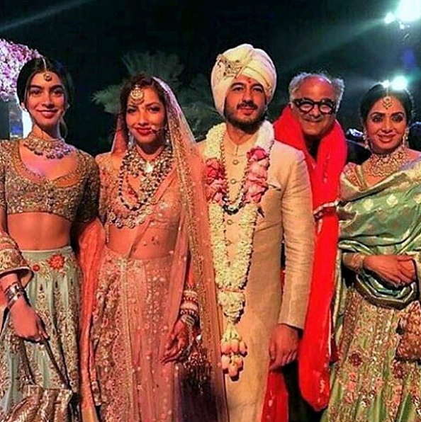 The stunning Kapoor family with the bride and groom