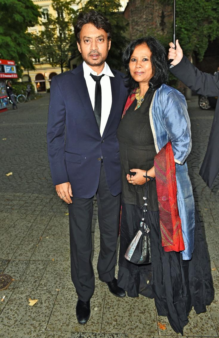 Irrfan Khan and Sutapa Sikdar: Irrfan Khan's Bengali wife is one of the best known script and dialogue writers that we have in Bollywood. Sutapa prefers to remain anonymous that's why nobody knows that she is the wife of Irrfan Khan. The couple has two sons Babil and Aryan. Sutapa wrote numerous episodes of Banegi Aapni Baat, the TV serial which is now known as iconic in the TV history. Sutapa is an alumni of the famous National School Of Drama and also wrote the dialogues of the famous Bollywood movies like Shabd  (1999), Supari  (2003), 1999 Alvida (TV Series) and of course the most well known 1996 Khamoshi: The Musical . Irrfan and Sutapa fell in love when he was in NSD Pune.