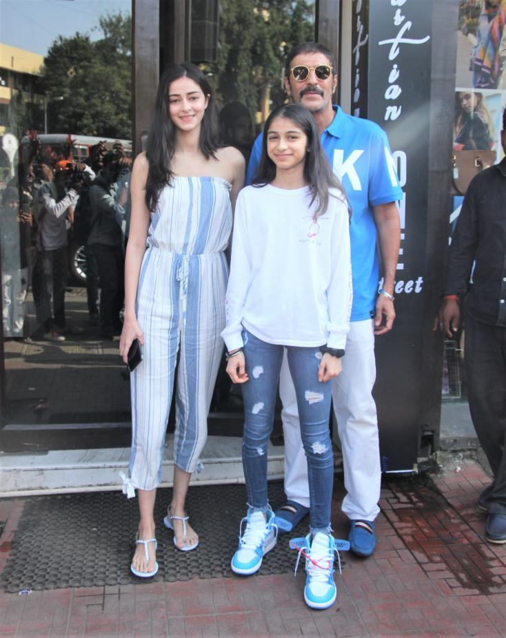 Chunky Panday snapped with his daughters Ananya Panday and Rysa Panday