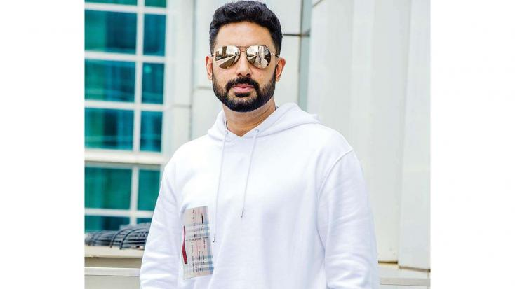Shocking! Abhishek Bachchan Was SLAPPED By a Lady Outside a Theatre