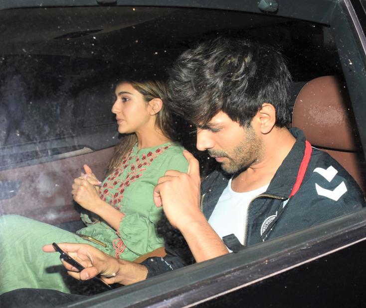 Sara Ali Khan and Kartik Aaryan Leave in Same Car from Love Aaj Kal 2 Filming