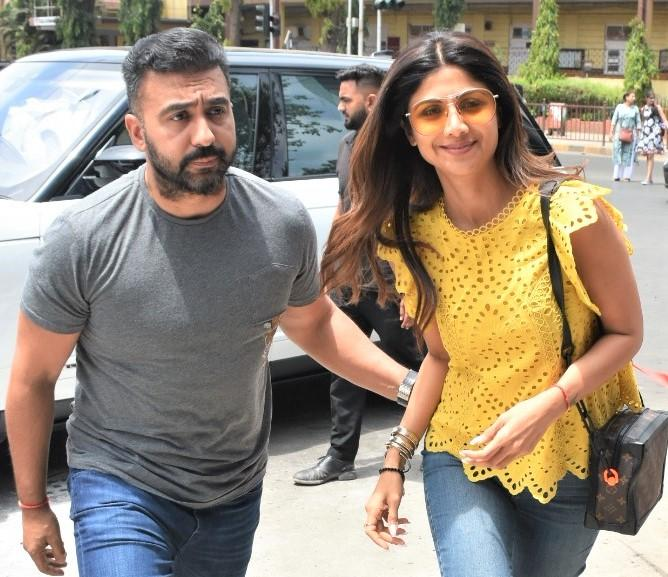 Shilpa Shetty and Husband Raj Kundra Have a Date Out and About!