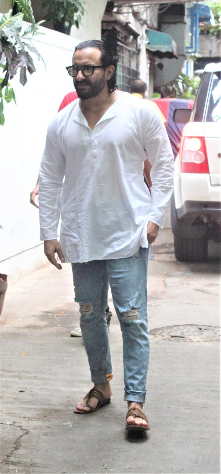 Saif Ali Khan looks like a boss in this outfit