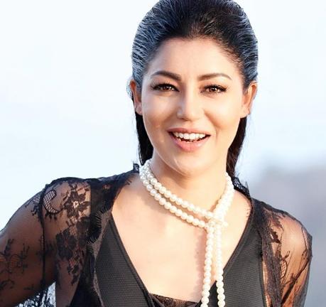 Debina Bonnerjee Performs Stunt in Saree, Refuses Body Double