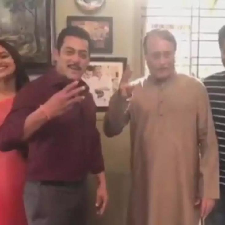 Salman Khan Introduces Pramod Khanna as the New Prajapati Pandey in Dabangg 3