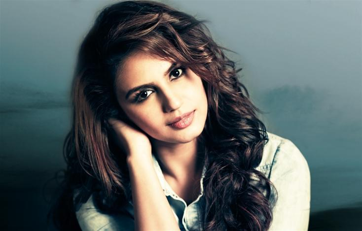 Huma Qureshi Leaves for US to Work on Hollywood Debut in Zack Snyder Film, Army of the Dead