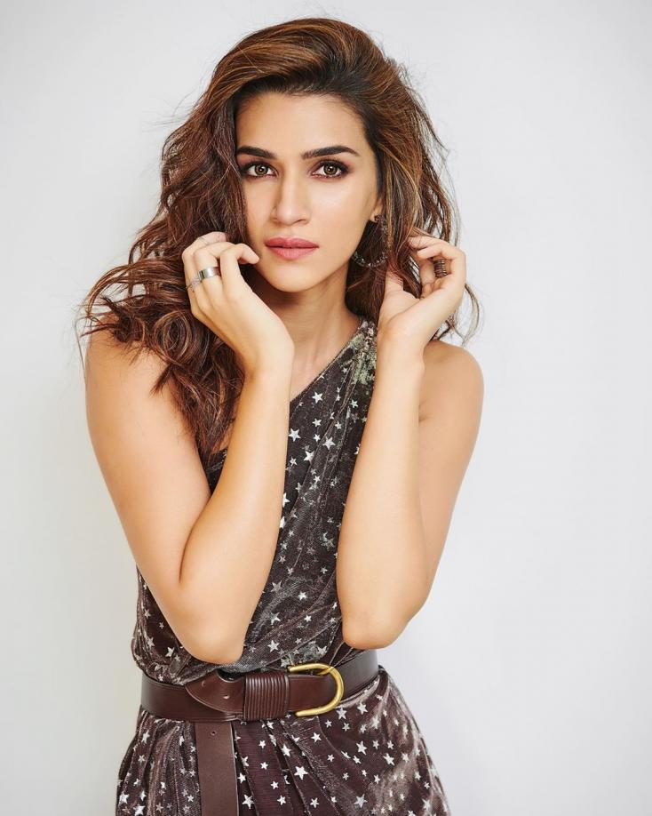 Happy Birthday Kriti Sanon: Celebs and Fans Share Birthday Wishes for the Arjun Patiala Actress
