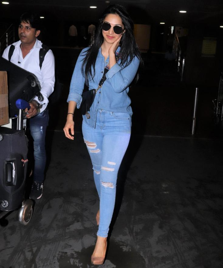Kiara Advani was snapped by paparazzi during her latest airport visit.