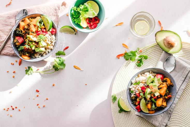 Here Is a Quick Guide to Making a Healthy Salad