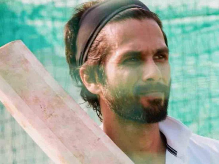Shahid Kapoor Seems to be Following Virat Kohli's Advice for His Role as a Cricketer in Upcoming Film Jeresy