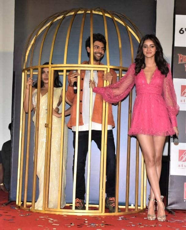 Pati Patni Aur Woh's Second Song Anhiyon Se Goli Mare Is Out