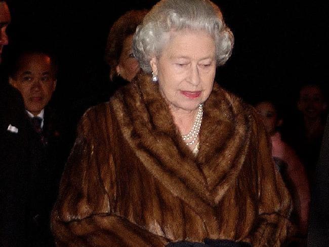 Queen Elizabeth Goes Fur-Free, Sets Precedent