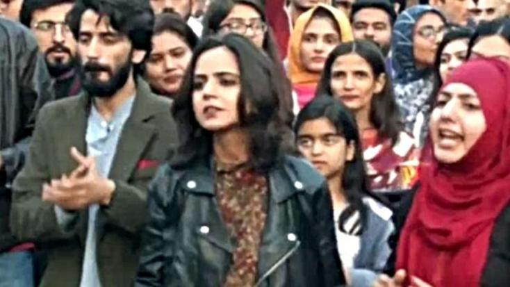 Arooj, the Leather Jacketed Girl at Faiz Festival is More Than Just a Girl Chanting Slogans