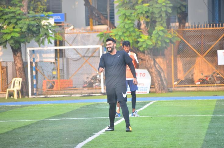 Arjun Kapoor seem sto be having a lot of fun as he was snapped laughing while playing football.