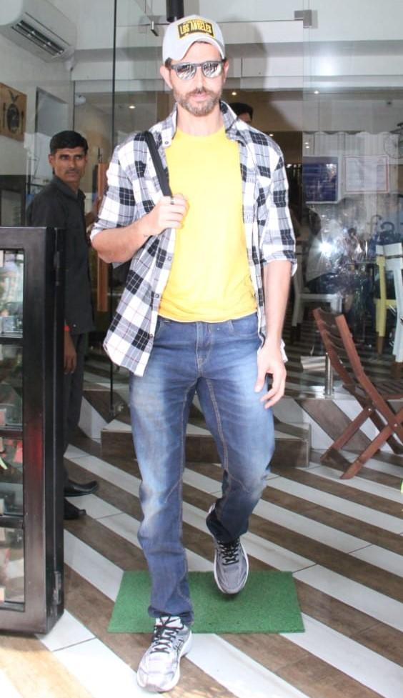 Hrithik Roshan was spotted at farmer's cafe in Mumbai. He was seen in casual attire as he stepped out.